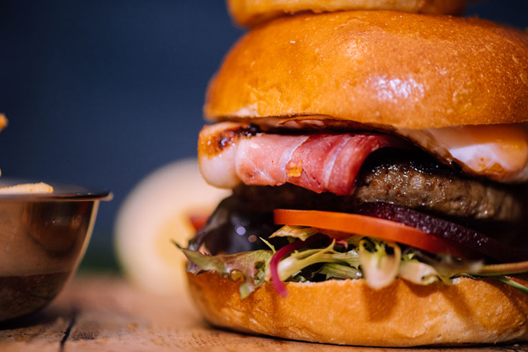 hr-burger-767x511